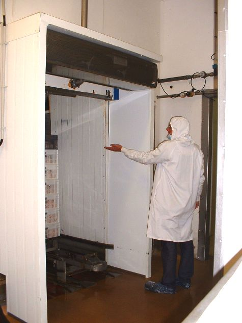 Air curtain application clean room
